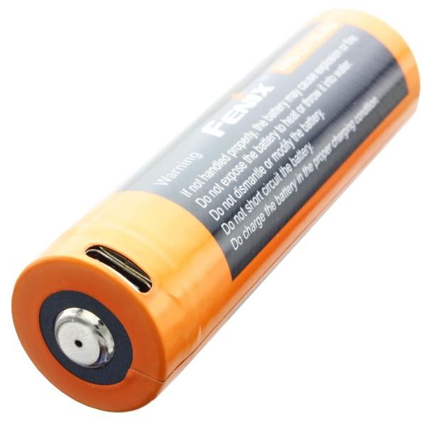 21700 USB Li-ionbatterij Fenix ARE-L21-5000U 21700 afmetingen 76x21.5mm, max. 8A
